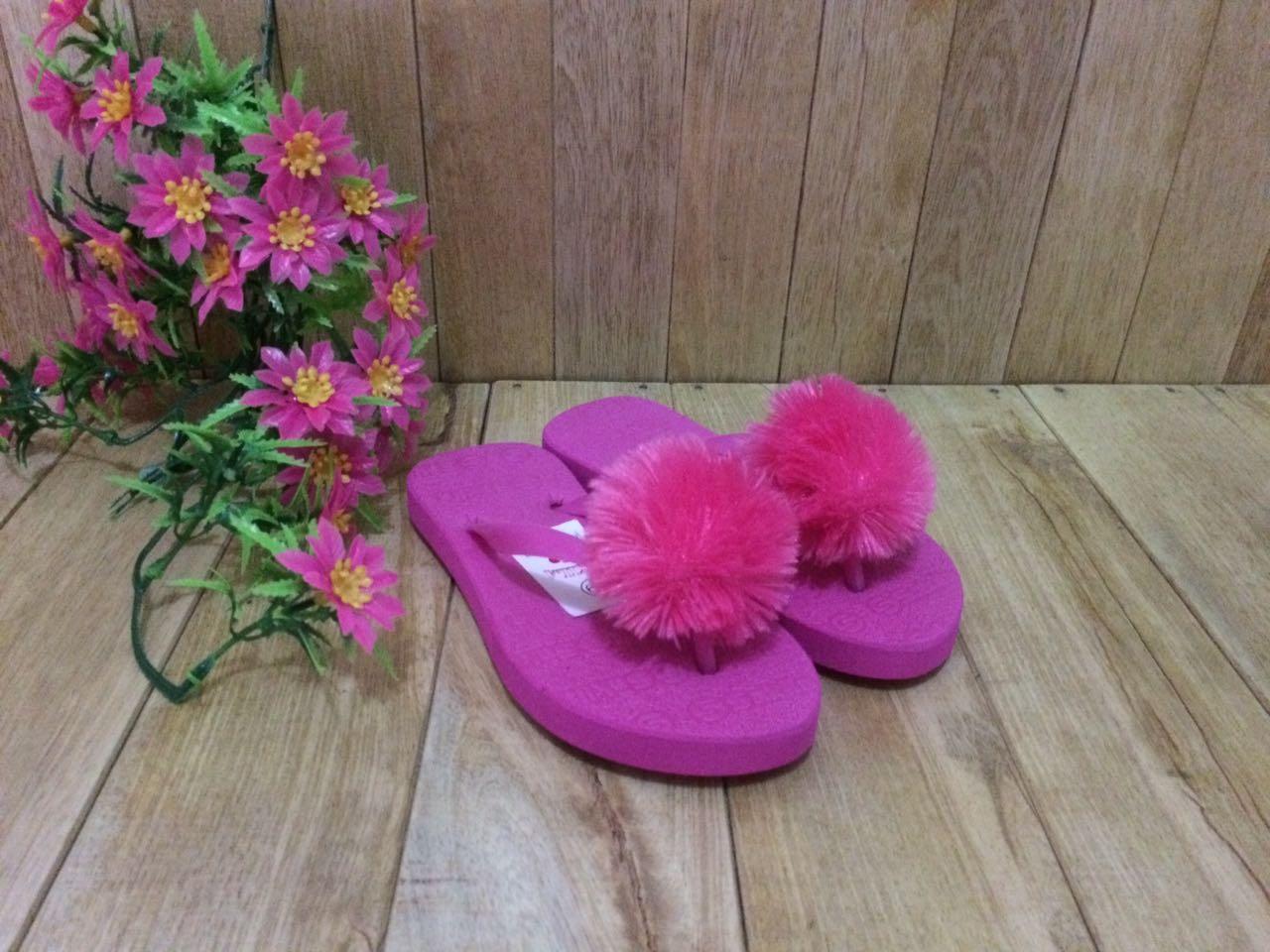 Sandal Pom-pom, Jual Sandal Pom-pom Murah   Dyiana Rouse
