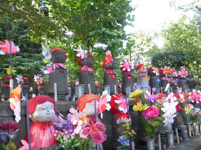 Estatuas para ofrendas a los niños no nacidos