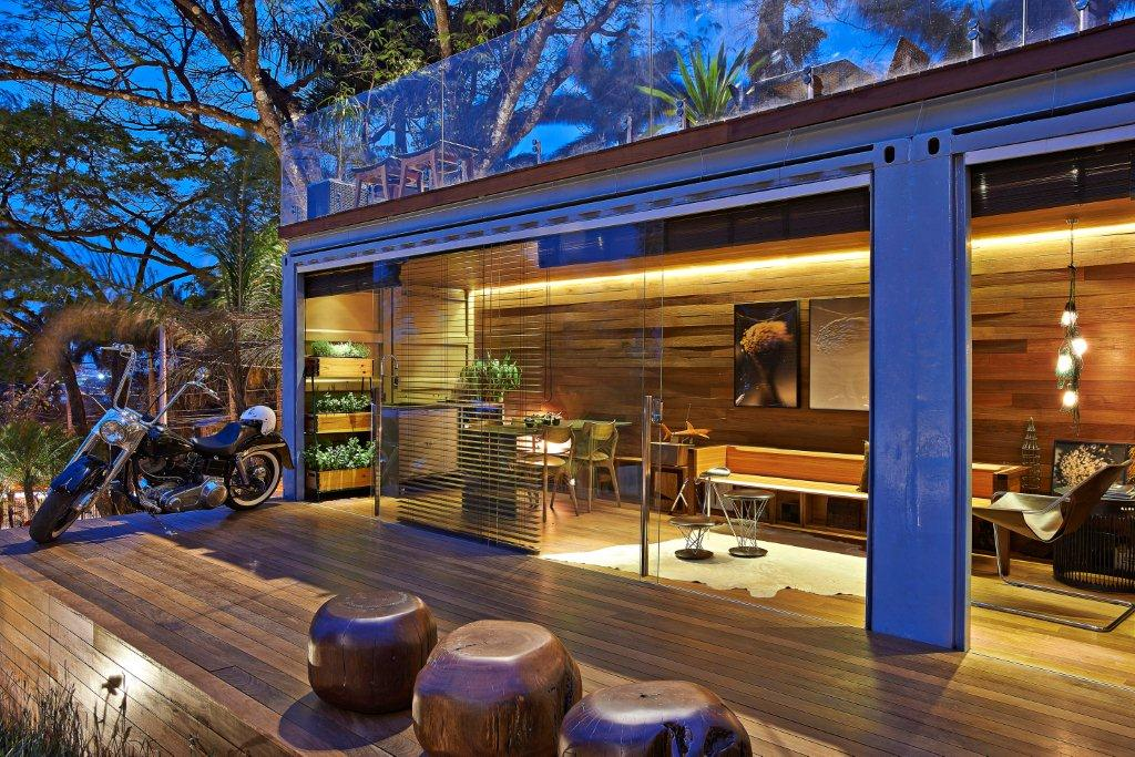 30 sqm House Inside Shipping Container by Cristina Menezes Arquitetura e Decoracao Brazil & Shipping Container Homes: 30 sqm House Inside Shipping Container by ...