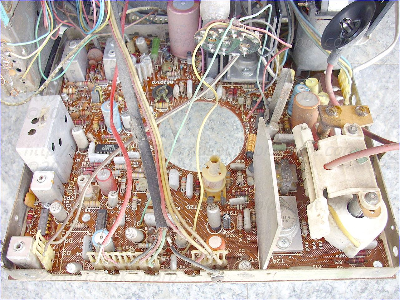Obsolete Technology Tellye Rex Mod L12 Chassis Bs2010 Internal 5 Volt Voltage Regulator Circuit At A Value Of Approximately Volts Assuming For Example The B Is Equal To 100 And Collector Coupled Tap 365 On Transfor