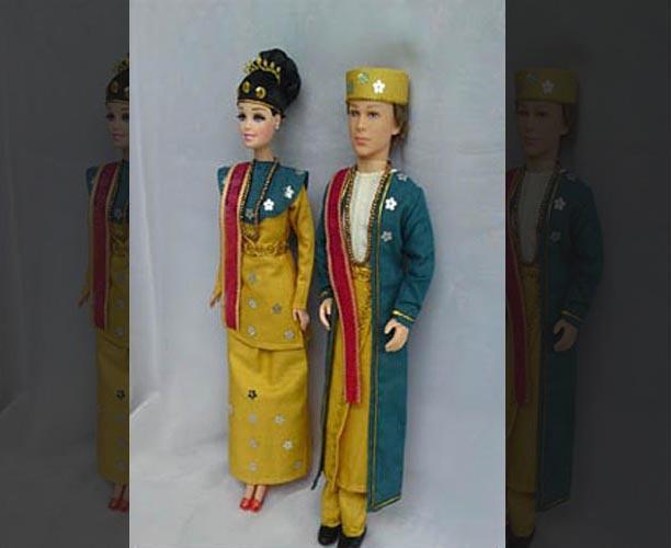 Pakaian Adat Remaja Putra dan Putri