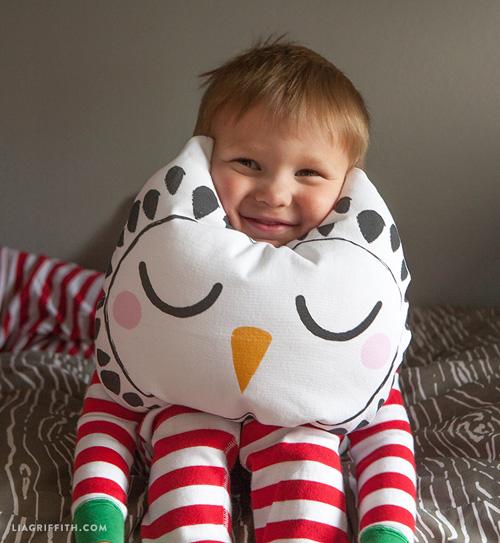 My Owl Barn: DIY: Woodland Throw Pillows