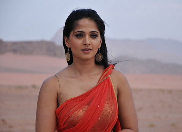 Southindian Hot Actress Anushka Shetty Has Denied Reports Claiming That She Would Star In The Tamil And Telugu Remake Of The Dirty Picture Which Bagged