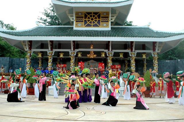 Ba Chua Xu festival in Chau Doc, An Giang 1