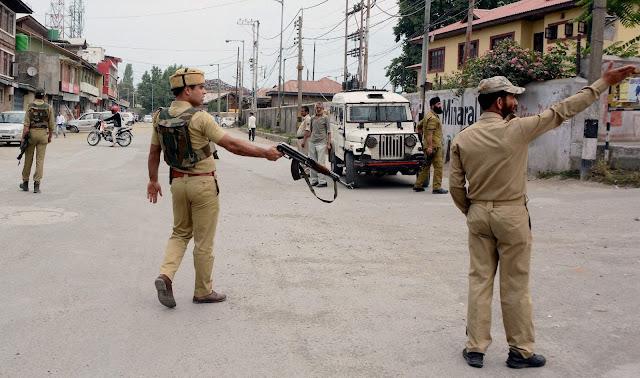 جموں و کشمیر : عسکریت پسندوں نے تین جوانوں کو ہلاک کردیا