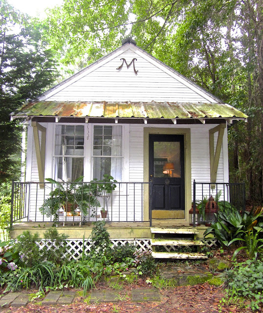 Cozy cottage made from the old telegraph office in Loxley Alabama. Leslie Anne Tarabella blog.