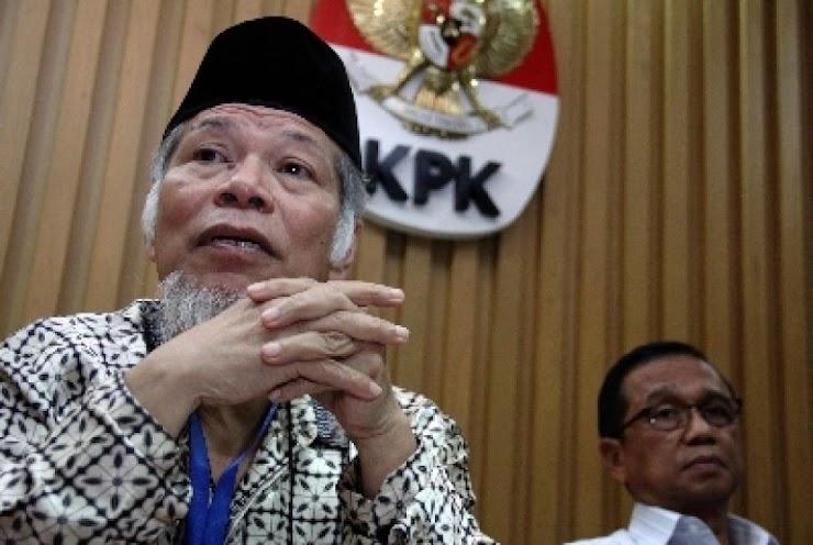 "Mantan Penasehat KPK: Pak Jokowi Layak Digelari ""Pahlawan Penghutang"""