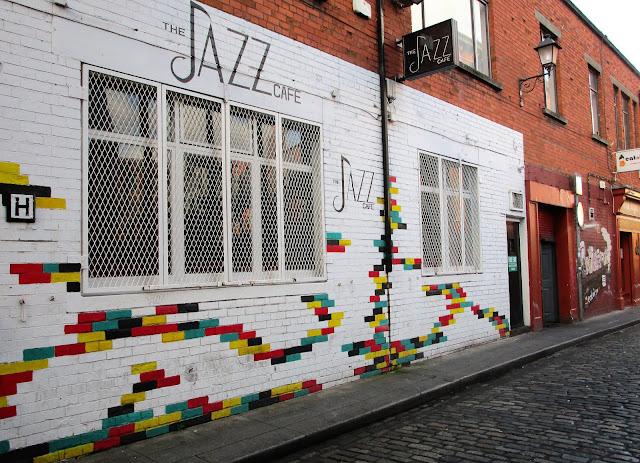 jazz cafe, Dublin värikkäät tiilet