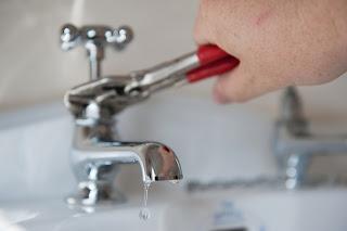 Cómo evitar el mal olor de las tuberías