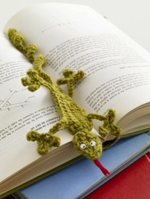 Scrap yarn ideas - Gecko bookmark