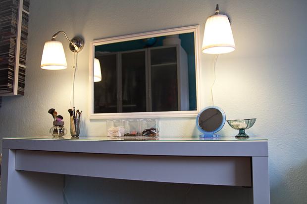 neon glitter lipstick der ber hmte malm frisiertisch. Black Bedroom Furniture Sets. Home Design Ideas