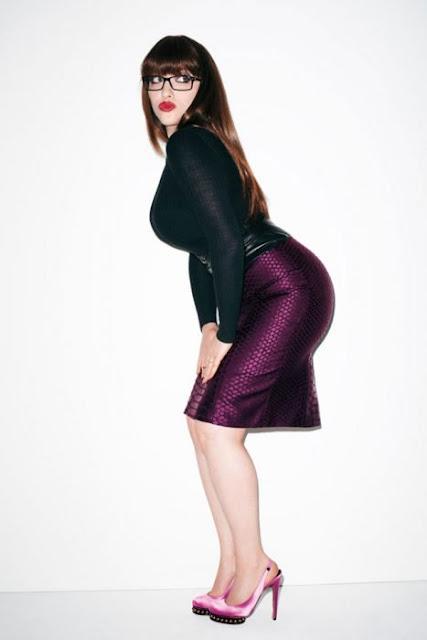 Kat Dennings, la mesera más sexy y nuestra Chica de la Semana