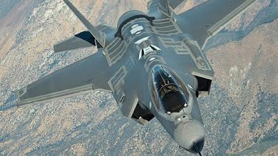 El ministro de Defensa, Avigdor Liberman, se reunió con el jefe del Pentágono, Ash Carter, antes de partir hacia Fort Worth (Texas, EE.UU.), donde asistirá a la entrega del primer caza F-35 israelí.