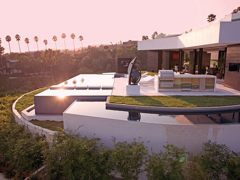 If it 39 s hip it 39 s here archives part one modern for Modern mansions in beverly hills