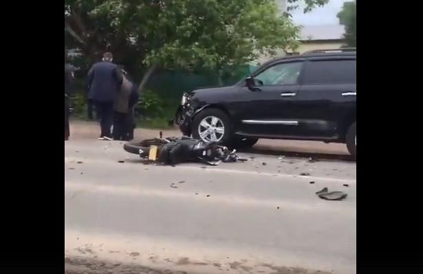 В Башкирии подростки катаясь на скутере устроили ДТП с двумя иномарками