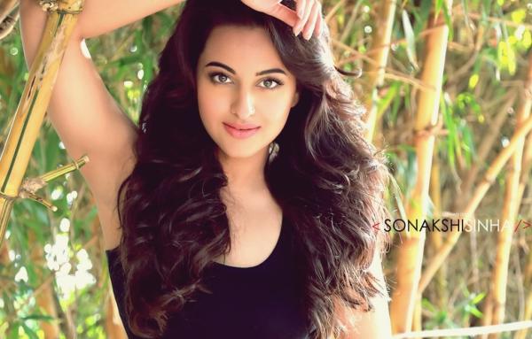 Sonakshi Sinha Artis Muda Bollywood Tercantik