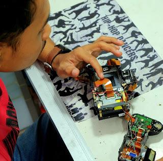 Service Kamera DSLR, Mirrorless, Lensa di Malang