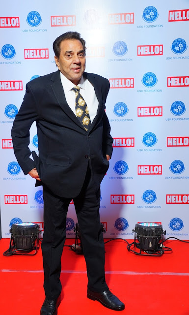 Actor Dharmendra at the red carpet of URJA Awards in association with Hello