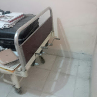 Tempat tidur rumah sakit 3 crank