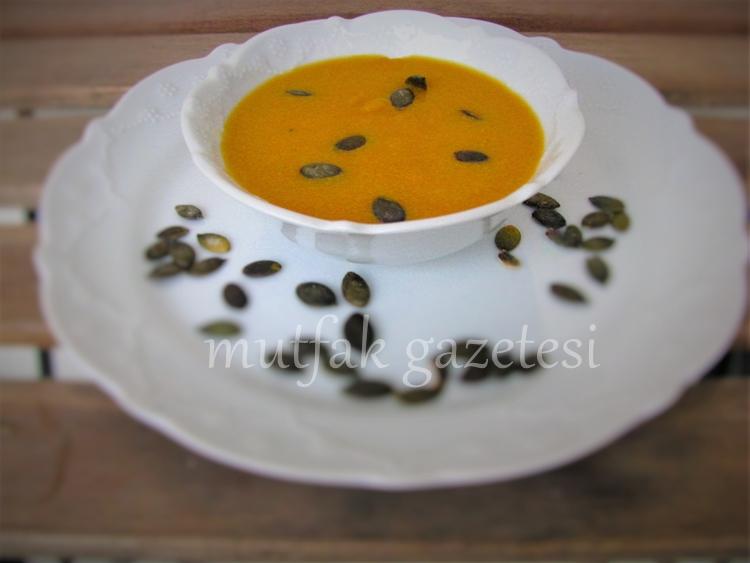 kremalı balkabağı çorbası