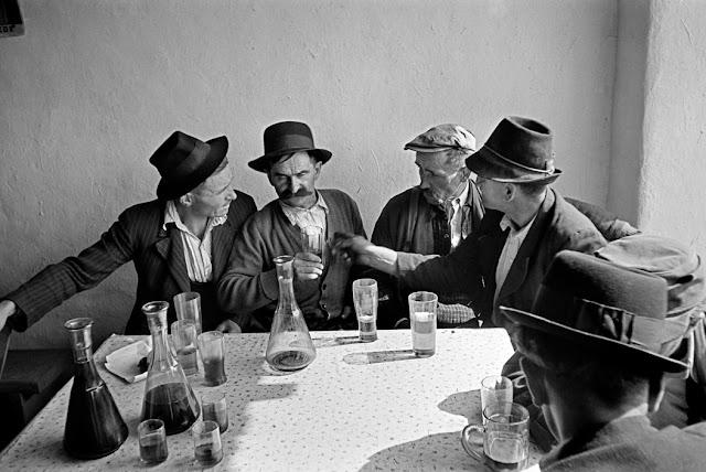 Foto Werner Bischof - Hungria, Planíces de Puszta, 1947 -  Fazendeiros