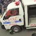Rakaman video wanita kena lenyek van Polis dalam tunjuk perasaan