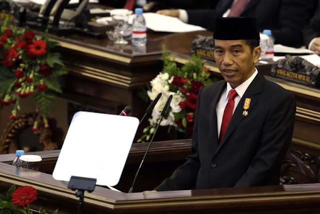 Diberi Kartu Kuning, Jokowi Akan Kirim Ketua BEM UI Ke Asmat, Begini Komentar Jleb Warganet!