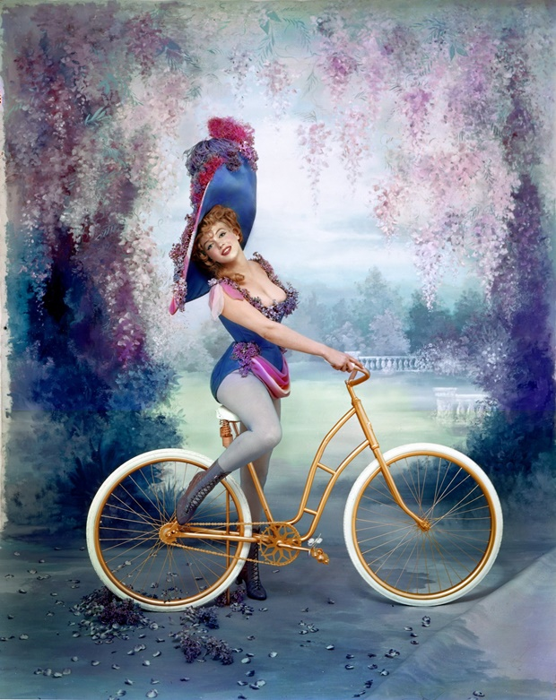 Marilyn como Lillian Russell por Richard Avedon