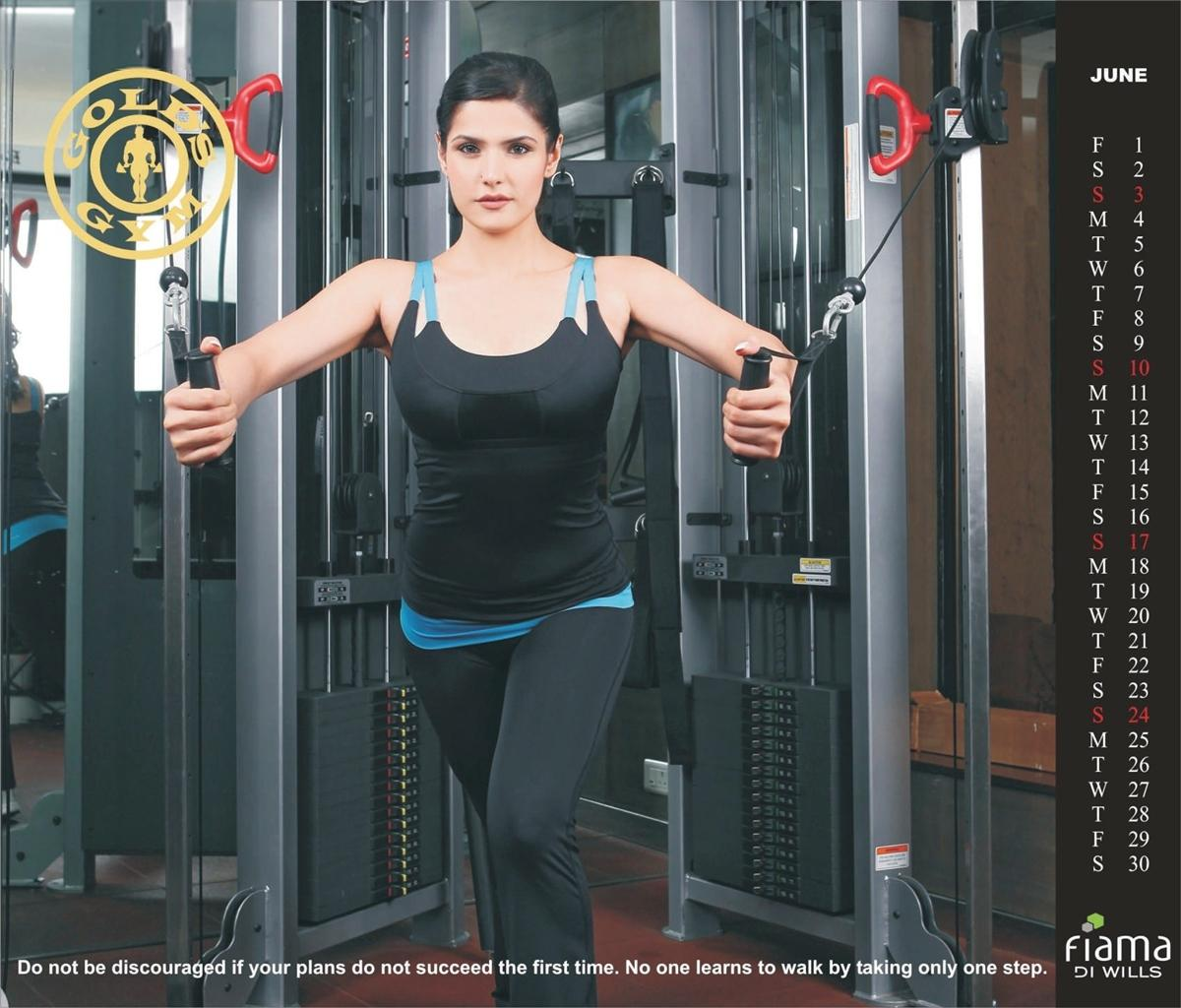 Gold's Gym India Launch 2013 Calendar