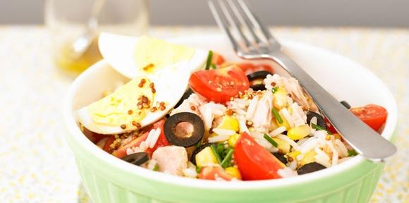 Salade De Riz Au Thon Et Aux Oeufs Durs