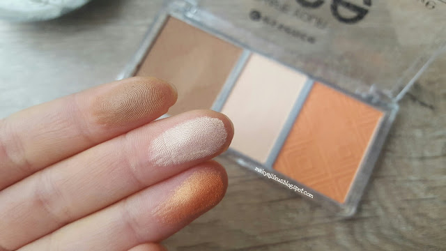 Essence Shape Your Face Contouring Palette Swatch