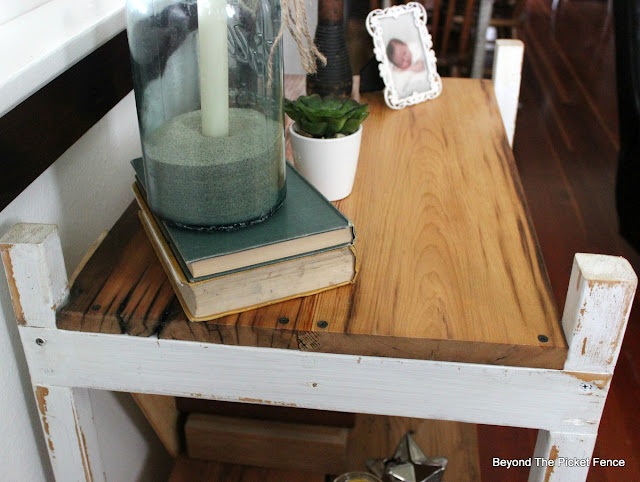 ladder shelf, barnwood, planer, reclaimed wood, bookshelf, http://bec4-beyondthepicketfence.blogspot.com/2016/04/easy-ladder-shelf.html