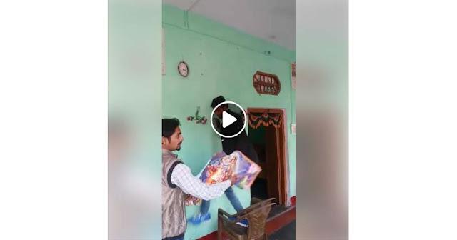 [Video] Allahu Akbar, Keluarga Ini Bersemangat Hilangkan Berhala dan Simbol-simbolnya Setelah Masuk Islam