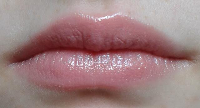 Bourjois Shine Edition Lipstick in Beige Democrachic
