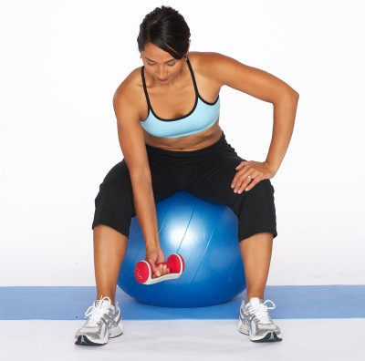 """set"" tha tone best biceps workout women can do"