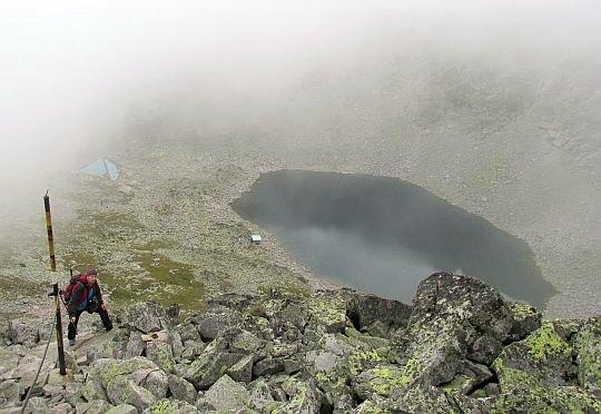 Jezioro Lodowe (bułg. Ледено езеро; 2709 m n.p.m.) z grzędy.