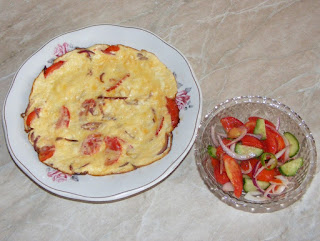 retete fel de mancare, omleta, omleta pufoasa cu branza si rosii, retete culinare, retete de mancare, scrob,