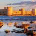 Пляжи у древних стен: замки Корикос и Кызкалеси