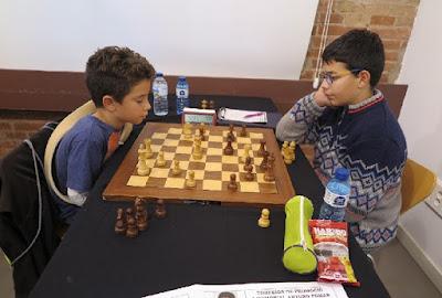 I Memorial Arturo Pomar Salamanca, partida de ajedrez Jan Travesset vs Pau Pueyo