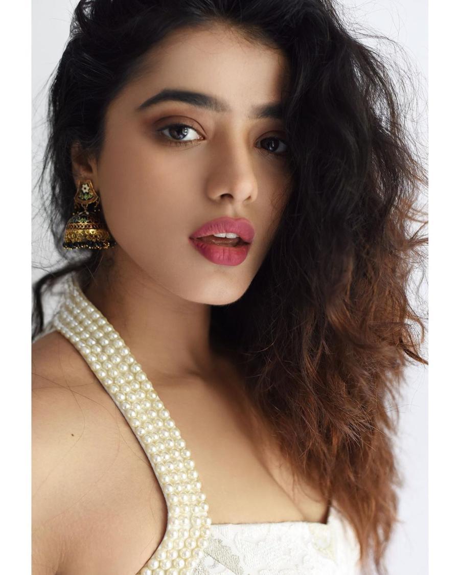 Glamorous Indian Model Ketika Sharma Photoshoot Gallery