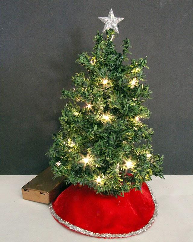 Sams Christmas Trees: Good Sam Showcase Of Miniatures: Dealer A&R Miniatures