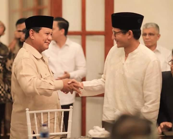 Prabowo Blak-Blakan Soal Tanda Kemenangan