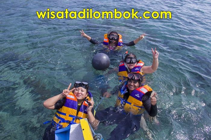 Gambar Snorkling Di lombok sangat seru