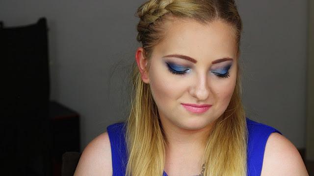 Powtórzony, krok po kroku, makijaż Blue.