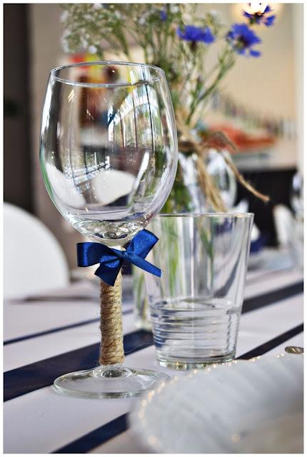 marynarskie dekoracje stołu