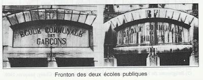 Le fronton de l'école publique de filles n'est plus qu'un souvenir puisque le bâtiment fut rasé en 1974 (collection musée)