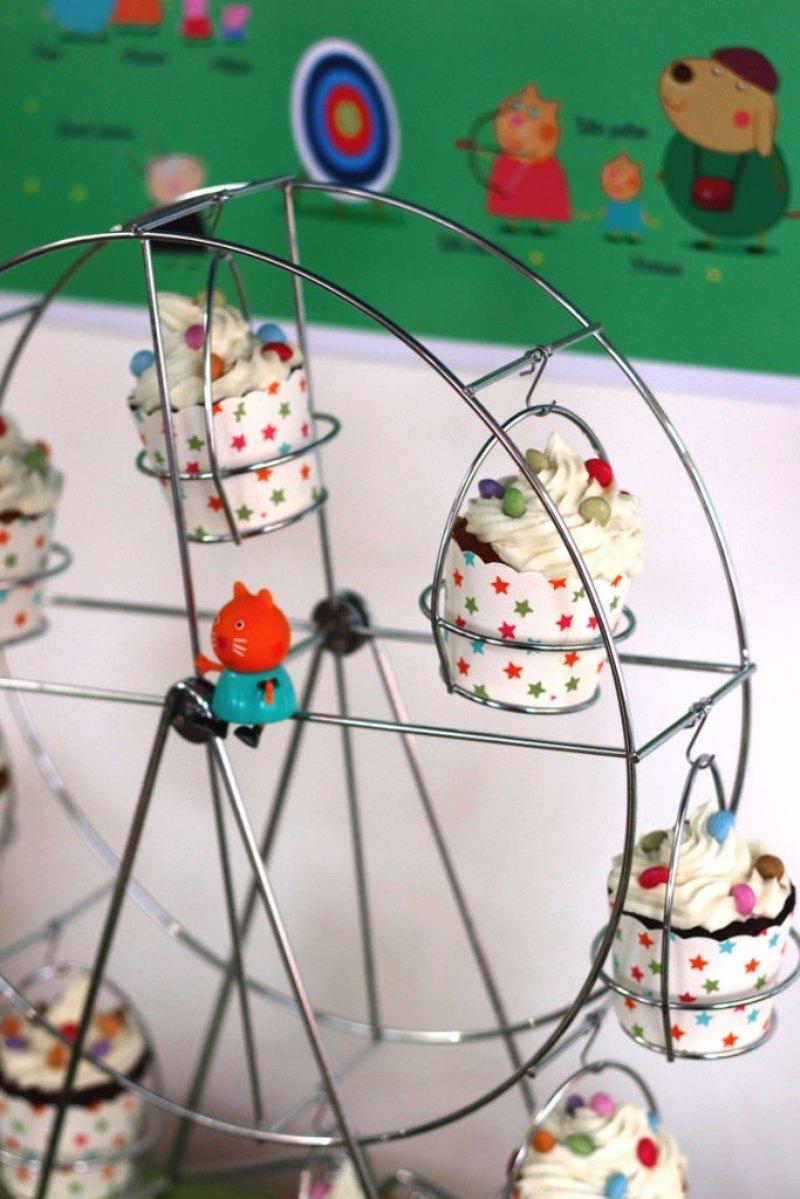 Anniversaire Fête Foraine Peppa Pig - plein d'idées ludiques et faciles à réaliser à la maison pour un goûter da'nniversaire inoubliable! via BirdsParty.fr @birdsparty #feteforaine #anniversaireenfants #gouteranniversaire #peppapig #anniversairepeppapig