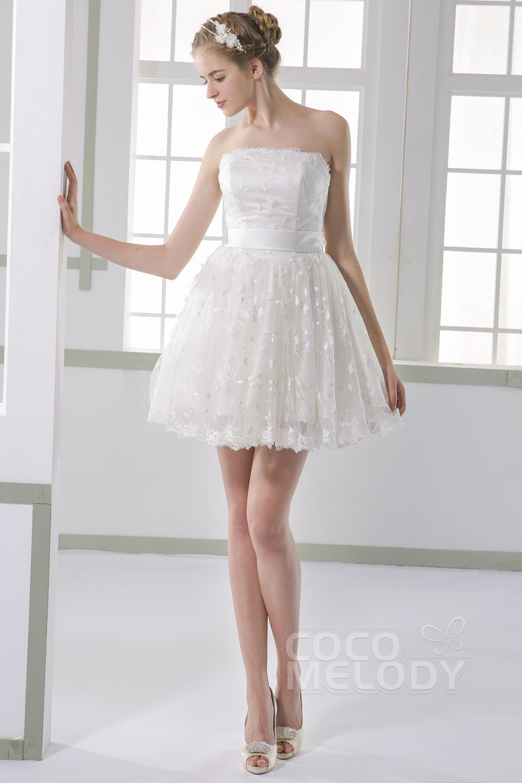 b4e17ed80 Charming Princess Strapless Train Tulle Ivory Sleeveless Lace Up-Corset  Wedding Dress with Appliques - This dress will never fail to make you feel  ...