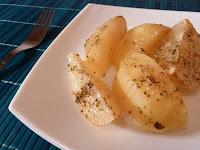 Cartofi noi la cuptor cu oregano si maghiran