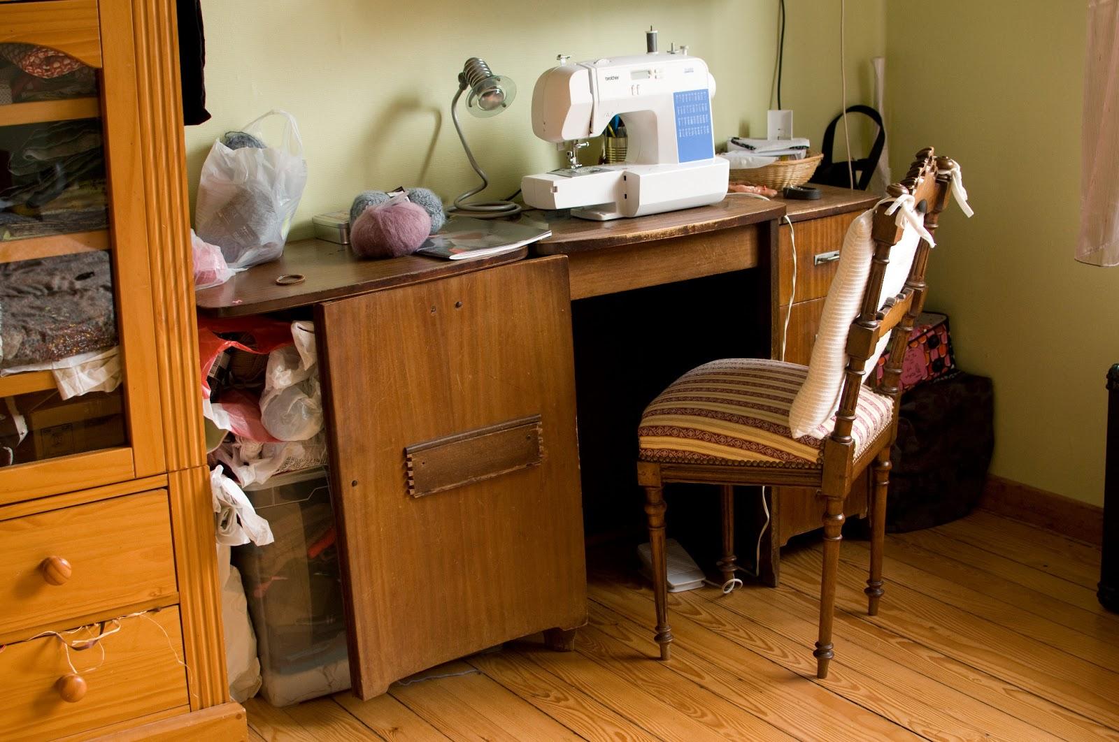 meuble atelier couture meuble atelier couture meuble en situation meuble atelier couture. Black Bedroom Furniture Sets. Home Design Ideas